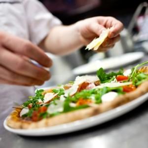alimentazione-dieta-mediterranea-salute-cibo-pizza-made-in-italy-by-emde71-fotolia-750x750